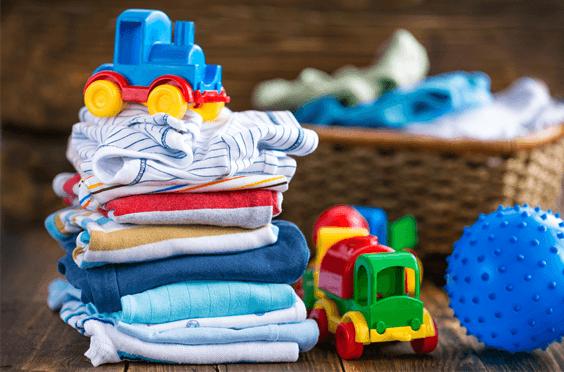 como-organizar-o-guarda-roupas-do-bebe-capa