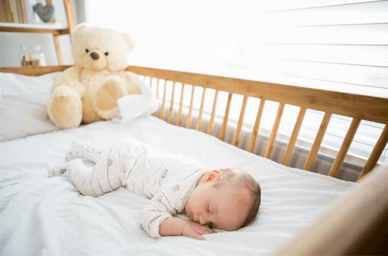 como-garantir-seguranca-bebe-no-berco-capa